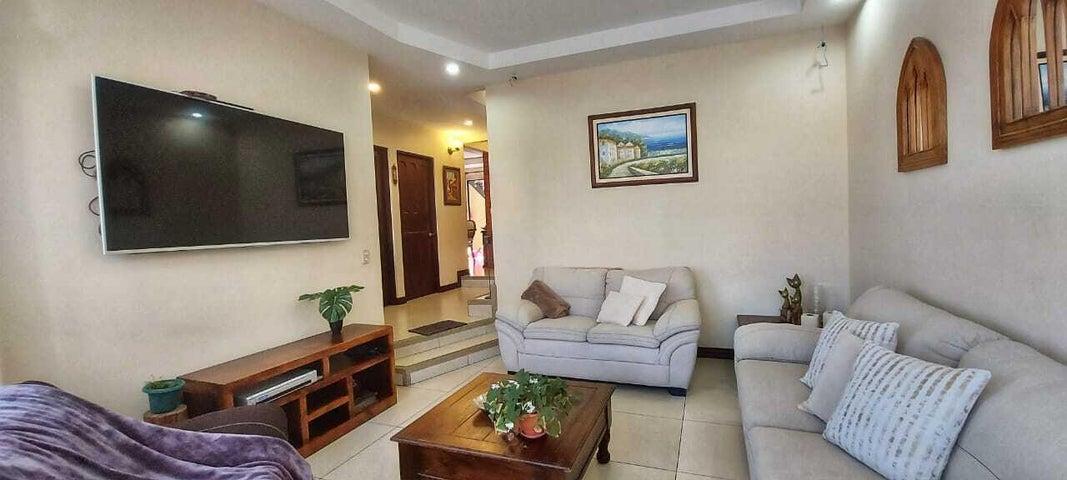 Casa Cartago>Dulce Nombre - Cartago>Cartago - Venta:297.000 US Dollar - codigo: 21-2521