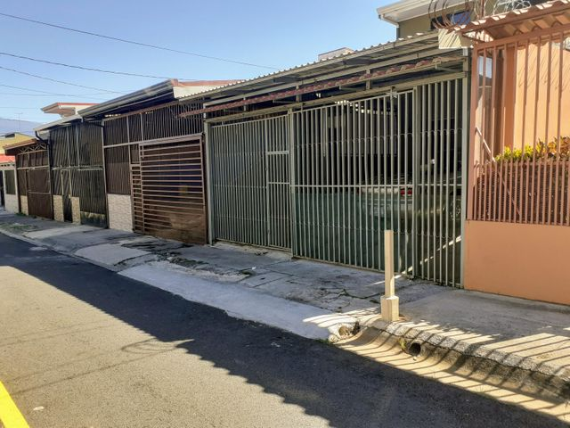 Casa Heredia>San Francisco>Heredia - Alquiler:750 US Dollar - codigo: 21-2530