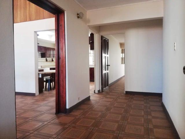 Casa San Jose>San Vicente>Moravia - Venta:495.000 US Dollar - codigo: 21-2527