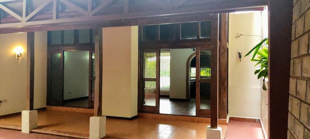 Casa Alajuela>San Ramon>San Ramon - Venta:230.000 US Dollar - codigo: 21-2529