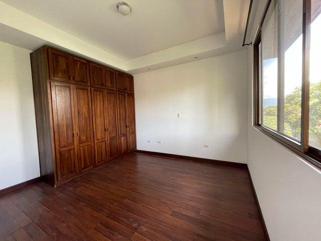 Casa San Jose>Rio Oro>Santa Ana - Alquiler:2.100 US Dollar - codigo: 21-2537