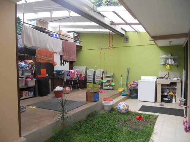Casa San Jose>Zapote>San Jose - Venta:327.500 US Dollar - codigo: 22-189