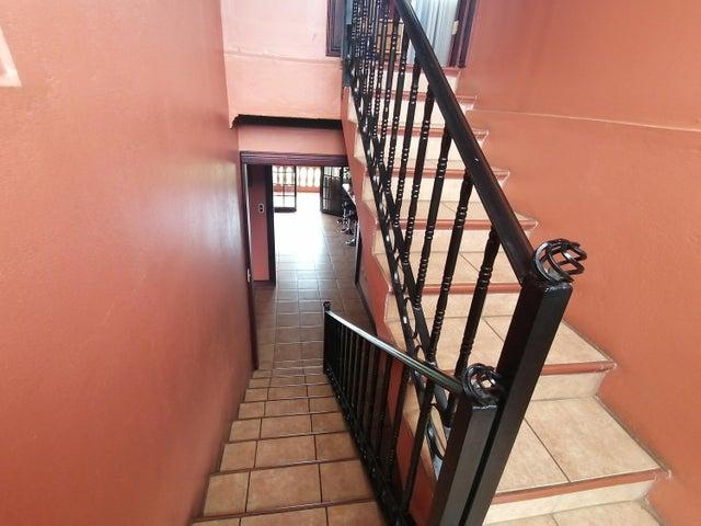 Casa Cartago>Corralillo>Cartago - Venta:304.000 US Dollar - codigo: 22-290