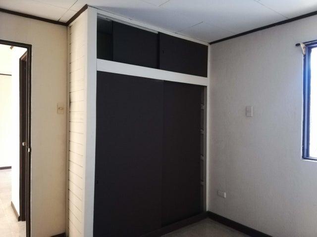 Apartamento San Jose>Hospital>San Jose - Alquiler:270 US Dollar - codigo: 22-550