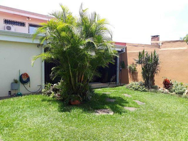 Casa San Jose>Granadilla>Curridabat - Venta:300.000 US Dollar - codigo: 22-554