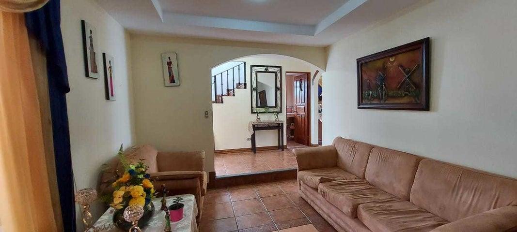 Casa San Jose>Sabanilla>Montes de Oca - Venta:199.000 US Dollar - codigo: 22-557