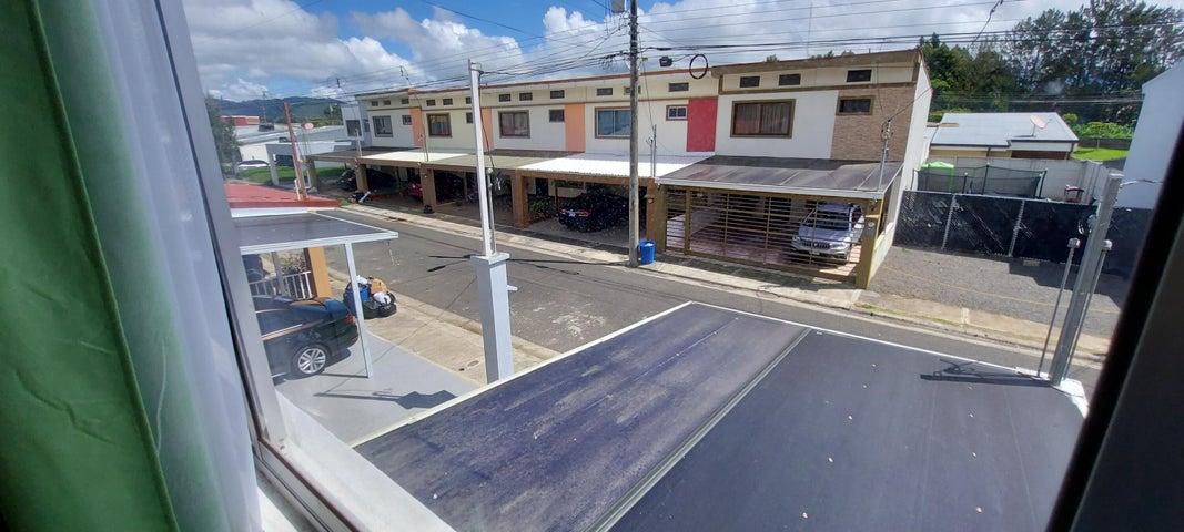 Casa Cartago>San Isidro - El Guarco>El Guarco - Venta:140.000 US Dollar - codigo: 22-566