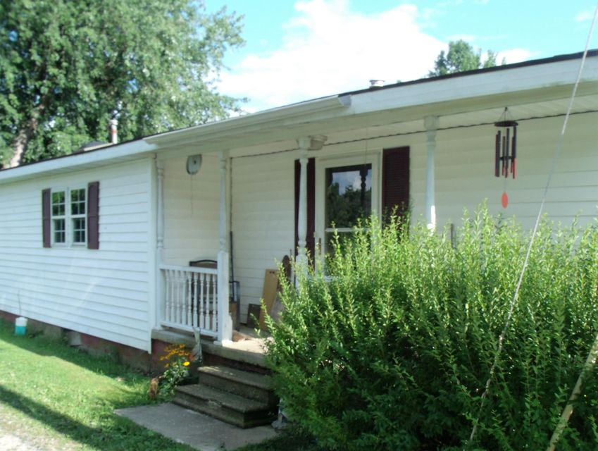 Front | 9190 Maple Street SW, Stoutsville, OH 43154