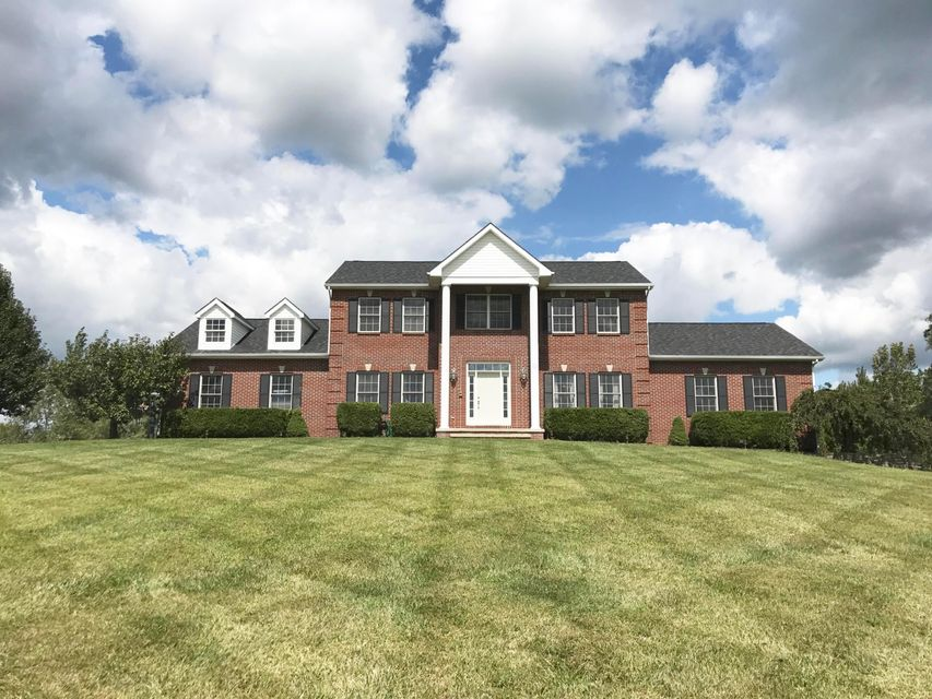 1421 W Slate Ridge Dr NW, Canal Winchester, OH 43110