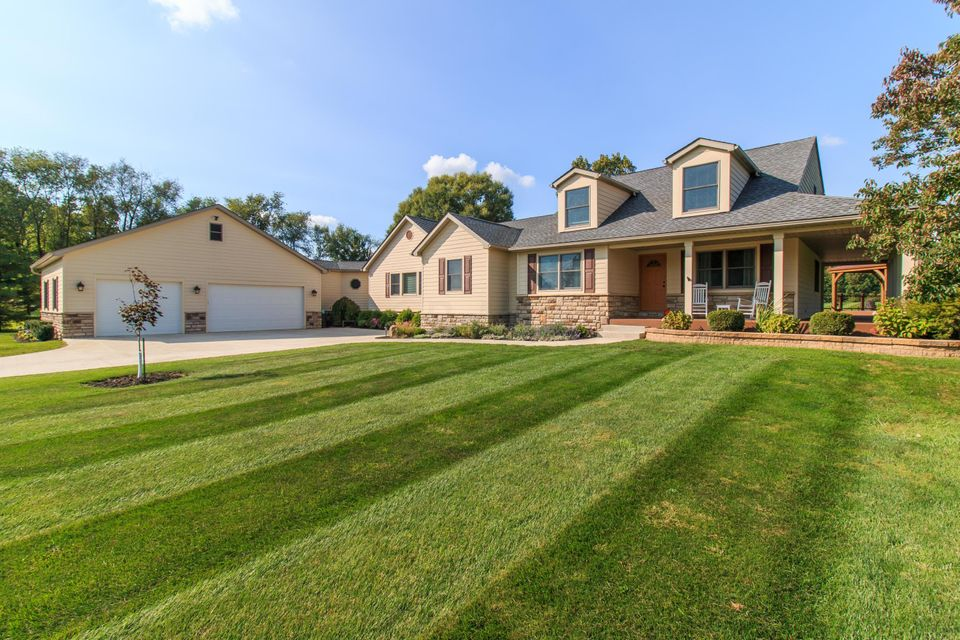 8270 Windy Hollow Rd, Johnstown, OH 43031