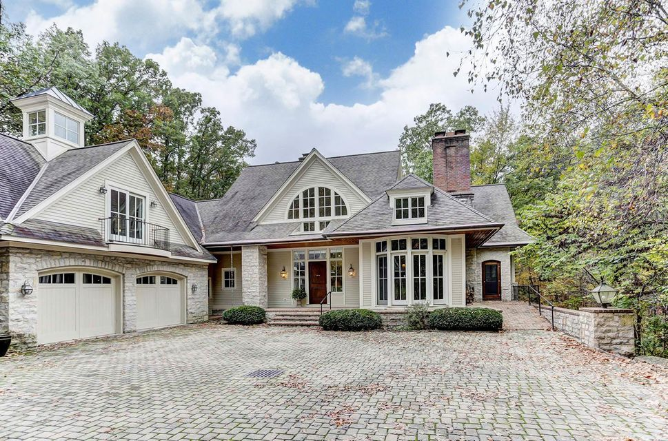 7648 Silver Lake Ct, Westerville, OH 43082