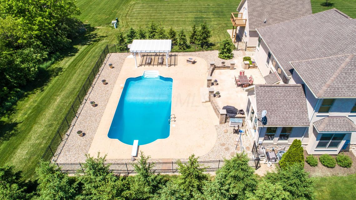 Photo of 2407 Woodland Glen Drive, Powell, OH 43065