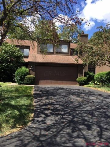 2104 Willowick Square, Columbus, OH 43229
