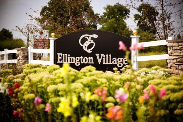 108 Ellington Boulevard SW, Granville, OH 43023