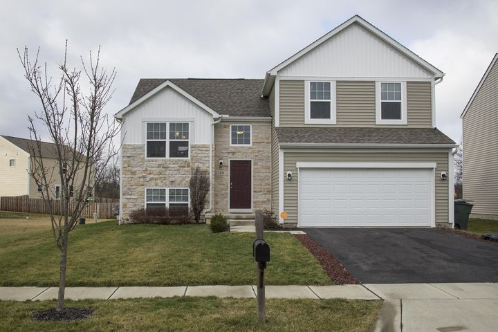 2439 Angelfire Drive, Grove City, OH 43123