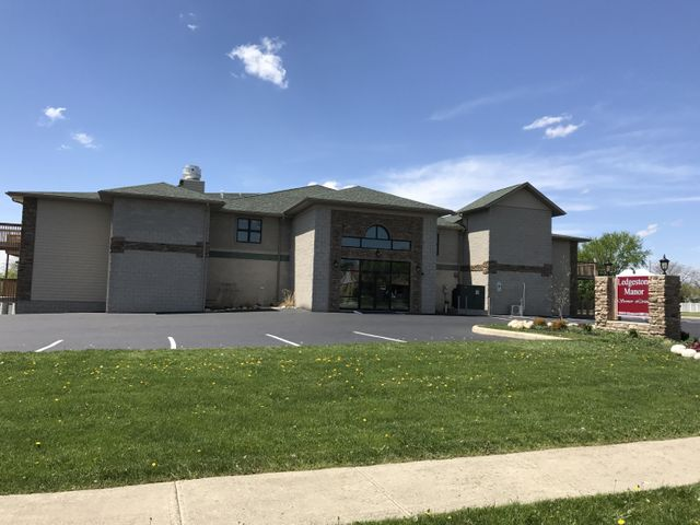 1800 Manor Hill Road, Findlay, OH 45840