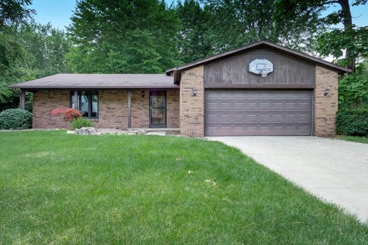 7051 Rockwoods Place, Worthington, OH 43085