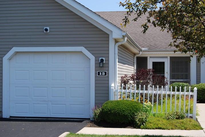 13 Ellington Commons Lane, Granville, OH 43023