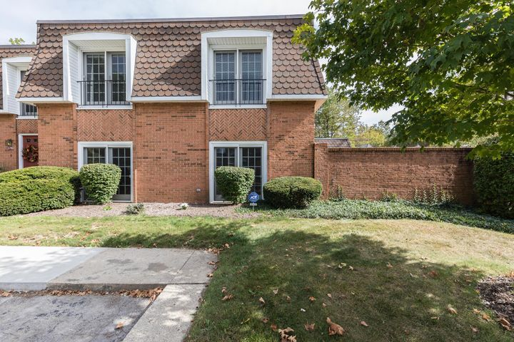 2740 Chateau Circle, Upper Arlington, OH 43221