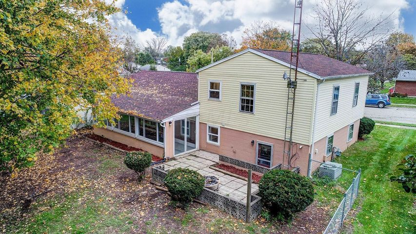 1519 Brookhollow Drive, Springfield, OH 45504