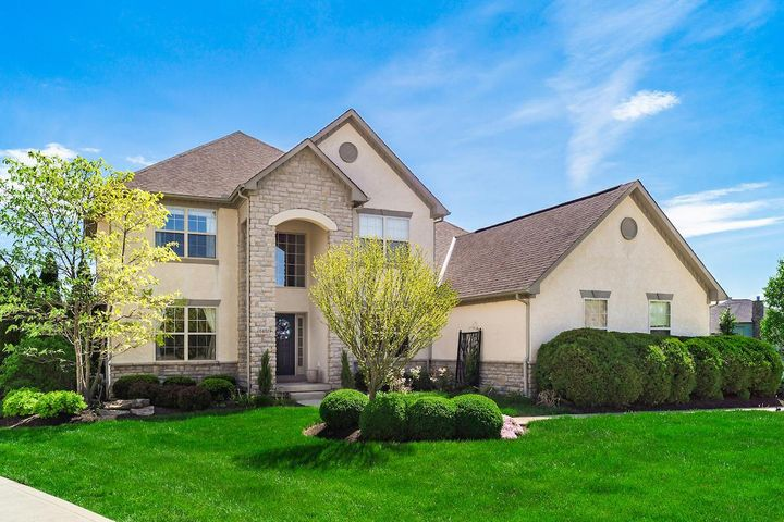 Spectacular Silvestri custom built home located in Lake Shore! Over 4,000 sq. ft. featuring 4 bedrooms, 4 full baths, 2 half baths, hardwood floors, crown molding, open & spacious floor plan, neutral colors, 3 car garage and Olentangy schools, professionally finished basement. Move In Ready!