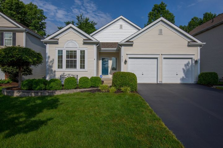 Welcome home to 6197 Home Park Dr. New Albany, OH 43054