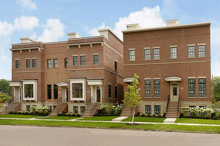 NEW construction townhome close to everything in the Brewery District AND German Village