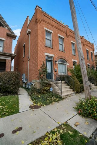 52 E Russell Street, Columbus, OH 43215