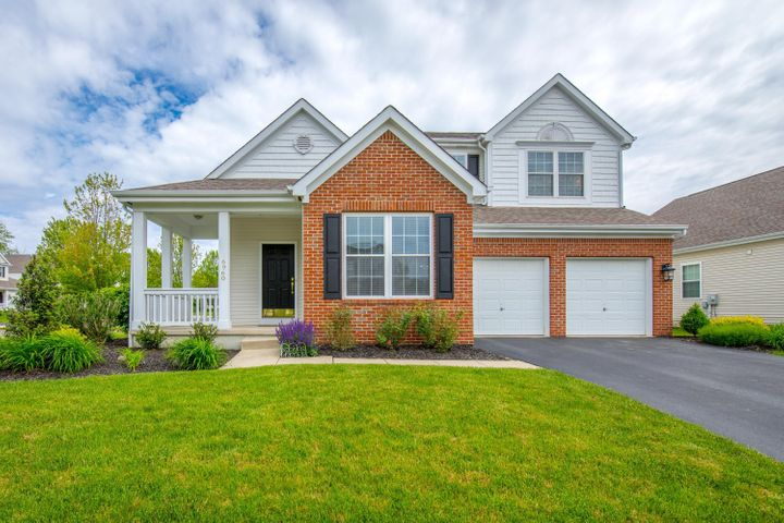 Welcome home! Well maintained 4 bedroom, 2.5 bath home on a large corner lot in Upper Albany!