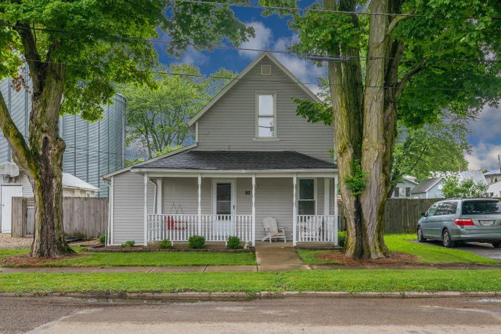 Adorable 2 story home in the heart of Centerburg!