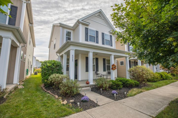 Welcome home! 3 bedroom, 2.5 bath home located in the highly desirable Upper Albany West Community!
