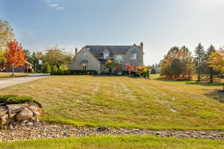 Nearly 2 acres in The Retreat!