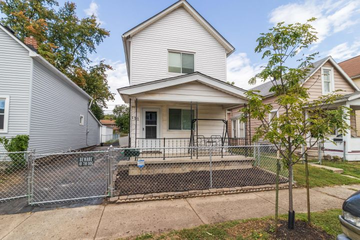 122 E Woodrow Avenue, Columbus, OH 43207