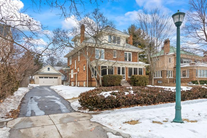 2548 Sherwood Road, Columbus, OH 43209