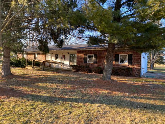 11990 State Route 56 E, Circleville, OH 43113