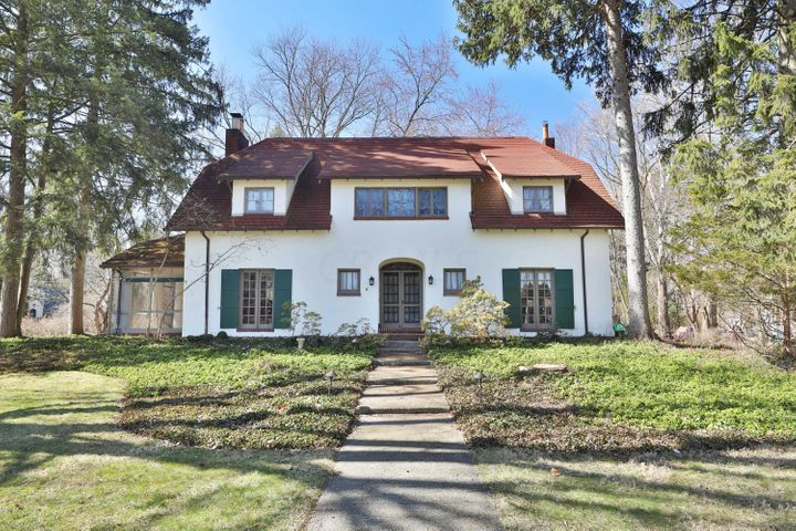 2 W Royal Forest Boulevard, Columbus, OH 43214