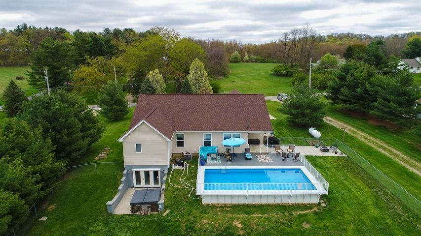 Welcome home to 3815 Mason Rd., Canal Winchester, Ohio 43110