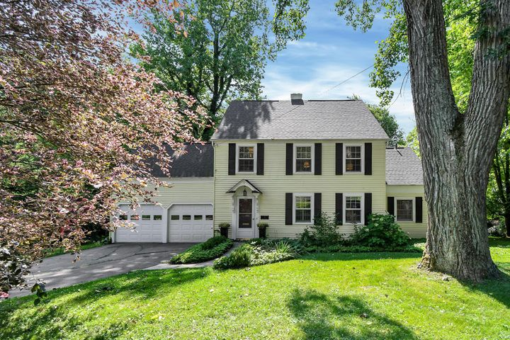 3 Sheppard Place, Granville, OH 43023