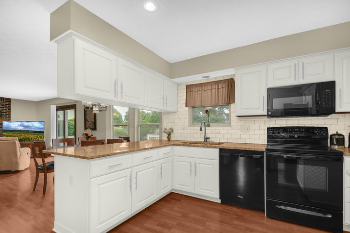7270 Snowberry Lane, Canal Winchester, OH 43110