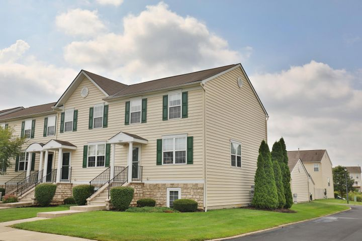 7205 Steel Dust Drive, New Albany, OH 43054