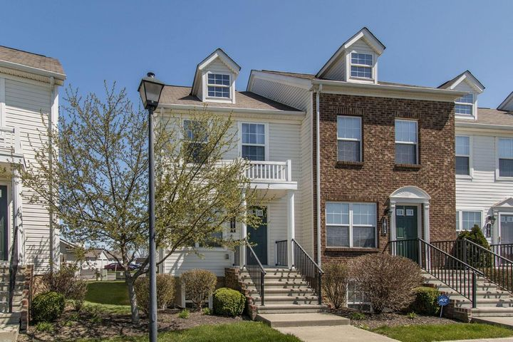 1014 Hartford Village, Columbus, OH 43228