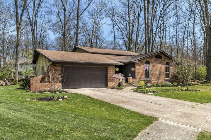 6 Nadine, Westerville, OH 43081