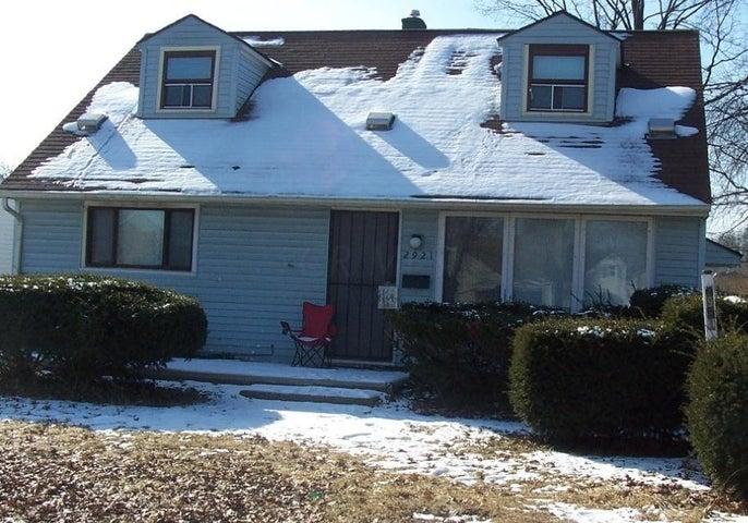 2921 Livingston, Columbus, OH 43209