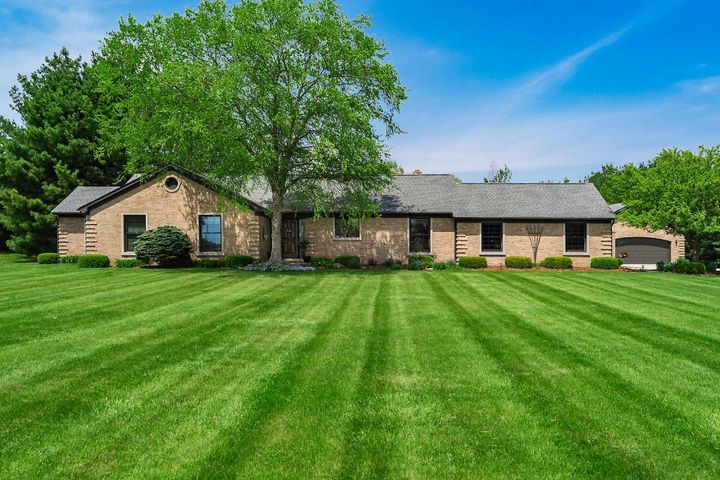 2080 Walker, Hilliard, OH 43026