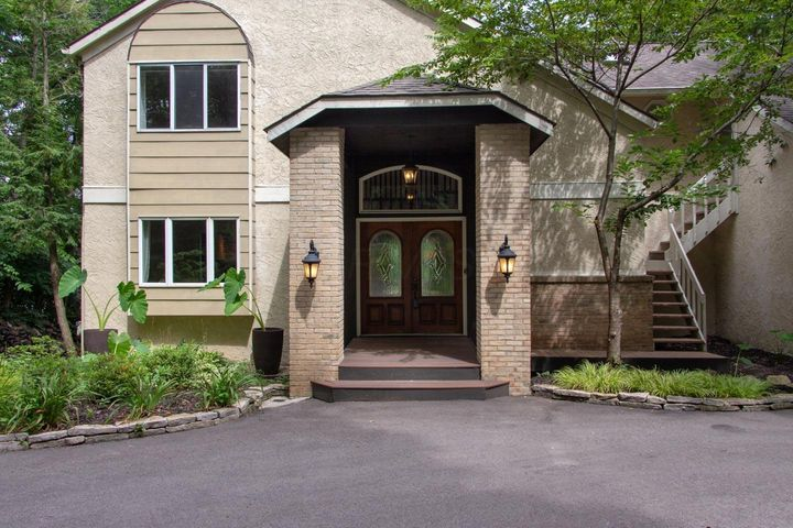 3806 Riverview, Columbus, OH 43221