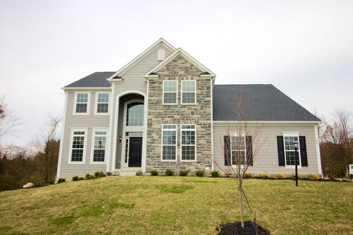 856 Clear Brook, Delaware, OH 43015