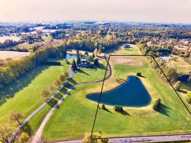 Last estate lot available!  A beautiful 7.775 acre waterfront building site located steps away from New Albany, Easton & all amenities.  This is a shovel ready deed restricted lot (Last 1 of 4 lots) which has access off of a private drive