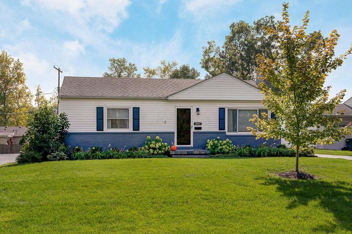 Move right in to this adorable ranch home in the heart of UA. Located just a block from Kingsdale Shopping Center & close by Tremont Center, Tremont Pool, Northam Park, main library, schools and more! You'll love the large fenced backyard & all of the bright & updated spaces throughout. Full basement has tall ceilings + a full bathroom & can easily be finished & converted into a 3rd bedroom and/or additional living space. Seller has completed many updates including refaced kitchen cabinets and new hardware, new wood floors in kitchen, fresh paint throughout, landscaping, awesome covered paver patio with cedar posts (perfect for entertaining!), new siding on garage + new garage door/opener & new privacy fence. Updated & move-in ready! Hard to come by price in UA - won't last long!
