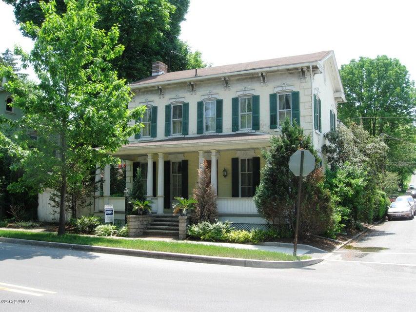 839 CHESTNUT ST, Mifflinburg, PA 17844