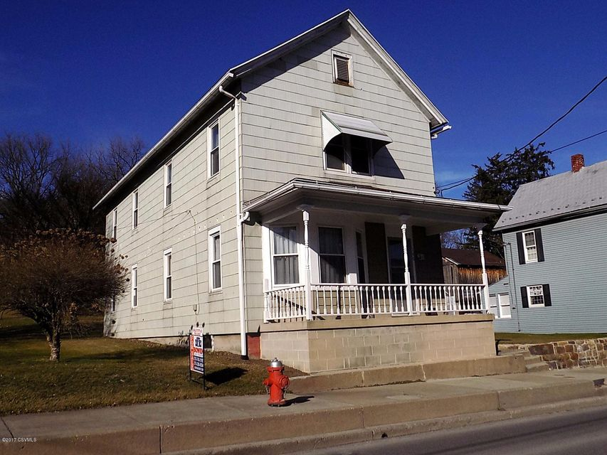 146 W MARKET ST, Middleburg, PA 17842